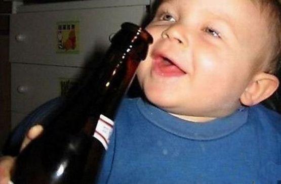 那些嗜酒如命的孩子们!